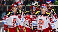 Hokejisté Hradce Králové získali na Spengler Cup posilu, do týmu přijde kanadský obránce Travis Ehrhardt.