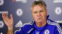 Dočasný trenér Chelsea Guus Hiddink