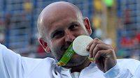 Polský diskař Piotr Malachowski se stříbrnou medailí z Ria.