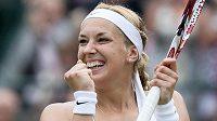 Sabine Lisická z Německa se raduje z postupu do semifinále Wimbledonu.