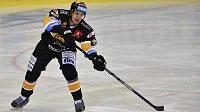 Litvínovský obránce Karel Kubát v dohrávce 17. kola hokejové Tipsport extraligy.
