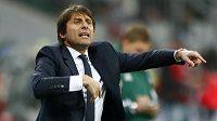 Antonio Conte bude od nové sezóny trénovat fotbalisty Chelsea.