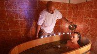 Olejové masáže a jiné relaxační procedury tělo po tréninku uvítá.