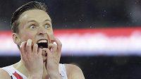 Jednadvacetiletý norský mladík Karsten Warholm vyhrál na MS běh na 400 m překážek.