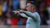 Wayne Rooney oslavuje svoji trefu v dresu Evertonu.
