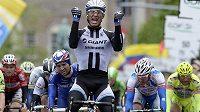 Německý cyklista Marcel Kittel se raduje z etapového triumfu na Giro d´Italia.