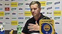 Trenér Josef Csaplár na tiskové konferenci fotbalového klubu FC Fastav Zlín.
