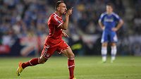 Záložník Bayernu Mnichov Franck Ribéry oslavuje gól do sítě Chelsea.