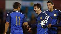 Argentinci zleva Sergio Agüero, Lionel Messi a Ángel Di María.