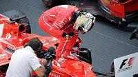 Sebastian Vettel se raduje z triumfu v Monaku.