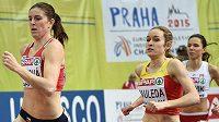 Zuazana Hejnová (vlevo) při kvalifikačním rozběhu závodu na 800 metrů.
