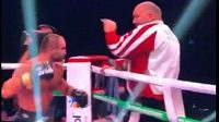 Gruzínský boxer Levan Šonia si vylil vztek z porážky na vlastním trenérovi