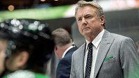 Trenér Rick Bowness povede hokejisty Dallasu i v příští sezoně NHL.