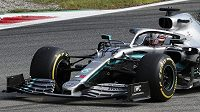 Mistr světa Lewis Hamilton na trati Velké ceny Itálie v Monze.