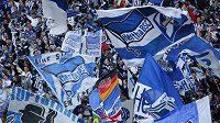 Fanoušci fotbalové Herthy Berlín oslavují návrat do bundesligy.