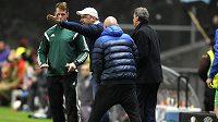 Kouč Slovanu Liberec Jindřich Trpišovský se rozčiluje nad verdiktem běloruského rozhodčího Kulbakova, který okradl Slovan v Braze o druhý gól.
