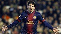 Barcelonský Lionel Messi slaví gól proti Valencii.