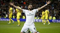 Útočník Realu Madrid Karim Benzema se raduje z gólu proti Villarrealu.