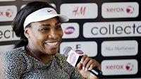 Serena Williams na tiskové konferenci.