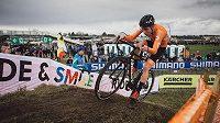 Mistrem světa mezi cyklokrosaři do 23 let se stal Nizozemec Ryan Kamp.