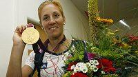 Zlatá skifařka Miroslava Knapková po příletu z olympijských her