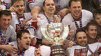 Takhle slavili čeští hokejisté v roce 2010 titul světových šampiónů.