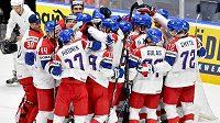 Je to tam, český tým slaví postup do semifinále MS.