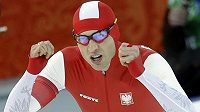 Polský rychlobruslař Zbigniew Bródka vyhrál v Soči olympijský závod na 1500 metrů.