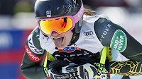 Americká lyžařka Alice Merryweatherová v cíli loňského závodu SP ve sjezdu v Crans Montaně.