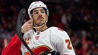 Travis Hamonic, hokejový obránce Calgary Flames.