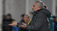 Trenér Manchesteru United José Mourinho při zápase EL s Rostovem.