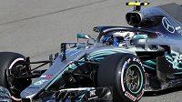 Finský pilot Mercedesu Valtteri Bottas vyhrál rekordním časem kvalifikaci na Velkou cenu Ruska F1.
