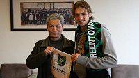 Marek Jarolím s bossem klubu Chang-čou Greentown krátce po podpisu smlouvy.