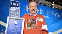 Legendární kanonýr Milan Nový byl při slavnostním ceremoniálu v helsinském hotelu Hilton uveden do Síně slávy Mezinárodní hokejové federace