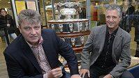 Kapitán českých tenistů Jaroslav Navrátil (vpravo) a prezident Českého tenisového svazu Ivo Kaderka oznámili nominaci na finále Davisova poháru proti Španělsku.