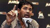 Kouč baseballistů Miami Marlins Ozzie Guillén se na tiskové konferenci omluvil.
