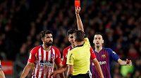 Útočník Atlétika Madrid Diego Costa byl v utkání s Barcelonou vyloučen a hrozí mu tvrdý trest.