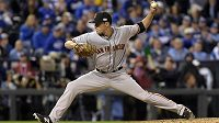 Nadhazovač Javier Lopez ze San Francisco Giants ve finále MLB proti Kansas City Royals.