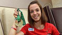 Chodkyně Anežka Drahotová po příletu z juniorského mistrovství světa v Eugene.