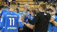 Házenkáři Plzně se radují z vítězství v utkání Poháru EHF a postupu přes Glasgow do dalšího kola soutěže.