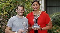 Nejlepší atleti roku 2014 francouzský tyčkař Renaud Lavillenie a novozélandská koulařka Valerie Adamsová.