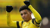 O útočníka Borussie Dortmund Jadona Sancha se nejspíš strhne velký boj.