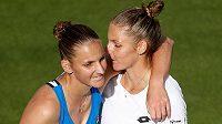 Souboj dvojčat Plíškových vyhrála v Birminghamu Kristýna (v bílém), světovou trojku Karolínu zdolala 2:1 na sety.