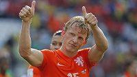 Dirk Kuijt zaskočil v duelu proti Chile na levé straně obranné formace Oranjes a vedl si více než dobře.