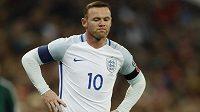 Anglický útočník Wayne Rooney během kvalifikačního duelu MS se Skotskem.
