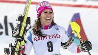 Wendy Holdenerová slaví v Lenzerheide triumf v superkombinaci Světového poháru.