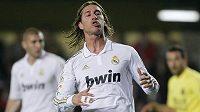 Sergio Ramos odchází v zápase s Villarrealem předčasně do kabin.