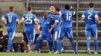 Liberečtí fotbalisté se radují z gólu proti Udine.
