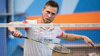Český badmintonista Adam Mendrek během tréninku s Petrem Koukalem.