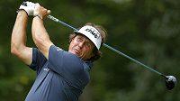 Phil Mickelson na golfovém turnaji Deutsche Bank Championship.